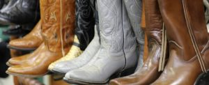 boots-2189417_1920